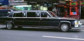 Party in limousine per le strade di Roma: multati dieci ragazzi, tra cui 5 minorenni