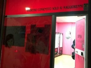 Roma sexy shop something is