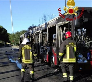 Atac ammette: i bus di Roma sono i più vecchi d'Europa, guasti e incendi inevitabili