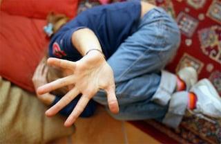 Abusi sessuali su bambine di età tra 5 e 13 anni in una scuola di Roma, arrestato bidello pedofilo