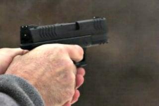 Punta pistola a un tassista e lo deruba, arrestato 'nasone del Quarticciolo': tradito dal soprannome