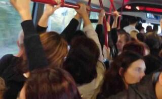"""L'aria di Roma è troppo inquinata. L'appello del Comune ai cittadini: """"Usate i mezzi pubblici"""""""