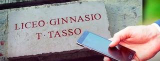Roma, docente del liceo Tasso molestava le alunne: niente carcere, dovrà pagare 50mila euro