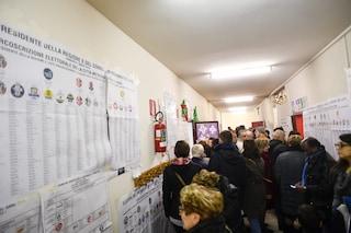 """Elezioni, a Roma lunghe code ai seggi. Campidoglio: """"Evitare di votare all'ultimo"""""""