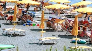 Furti in spiaggia a Passoscuro, banda di ladri ruba la borsa a una ragazza