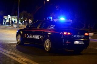 Anzio, 20enne massacrato di botte sul lungomare, è grave: trovato agonizzante dai carabinieri