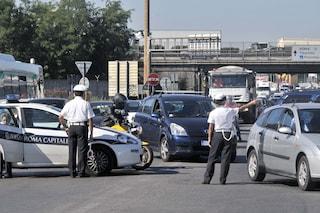 Incidente sul Raccordo, chiuse due corsie: traffico bloccato in carreggiata esterna