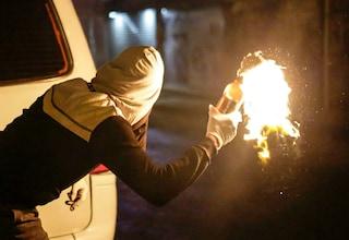Molotov contro appartamento sbagliato, in carcere ultrà romanista incastrato da una bandana rossa