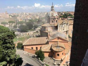 Il crollo del tetto della Chiesa di San Giuseppe dei Falegnami al Foro Romano