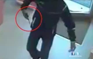 Tivoli, rapina in villa: padroni di casa e figlio minacciati con una pistola