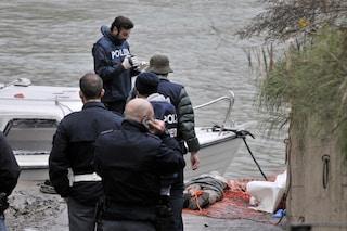 Ragazzo di 24 anni trovato morto in una barca sul lungotevere Arnaldo Da Brescia