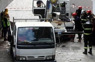 Operaio morto a Fiano Romano, cede una lastra di plexiglas e cade nel vuoto per dieci metri