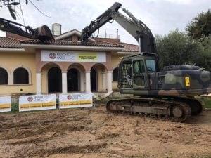 Un'altra villa confiscata alla famiglia Casamonica verrà demolita in via di Roccabernarda a Roma