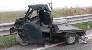 Latina, incidente tra furgone e ape: 74enne in ospedale in gravissime condizioni