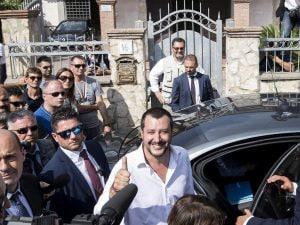 Il ministro degli Interni Matteo Salvini visita una villa confiscata ai Casamonica a Roma