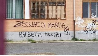 Liceo Montale di Roma, scritte e svastiche contro il professore antifascista