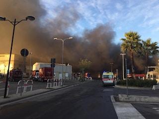 """Incendio al Tmb Salario, chiuso l'asilo nido di Villa Spada. Caudo: """"Non fate uscire i bambini"""""""