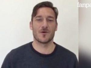 Il video di Francesco Totti per Michele, uno dei ragazzi rimasti feriti nella discoteca di Corinaldo