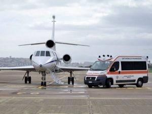 """Immagine di repertorio: Uno degli aerei """"Falcon"""" utilizzati per i trasporti medici d'emergenza"""