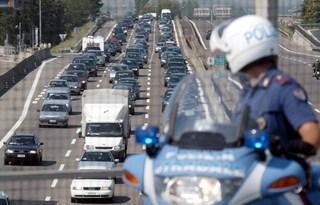 Incidente sulla Roma-Civitavecchia: carambola tra tre auto, lunghe code verso la Capitale