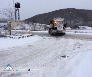 Neve nel Lazio: fiocchi sulla strada regionale 578 Salto Cicolana a Rieti e sull'A24 Roma-Teramo