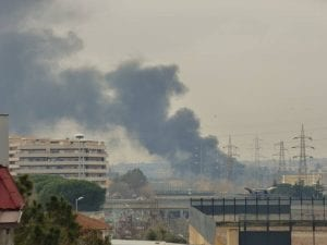 L'incendio in viale della Venezia Giulia (Foto: Facebook/Roberto Torre)