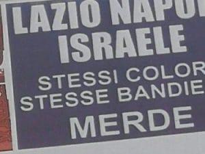 Manifesti razzisti apparsi a Roma