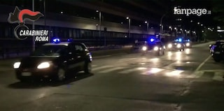 Roma, drogato al volante cerca di investire i carabinieri: arrestato dopo un inseguimento