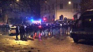 Roma, scontri alla festa per i 119 anni della Lazio: 10 agenti contusi, 3 ultras fermati