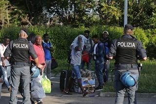 Di sgombero in sgombero: la polizia nei nuovi ghetti di Roma nati dopo l'ex Penicillina