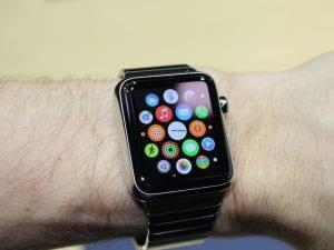 Foto di repertorio – uno smartwatch della Apple