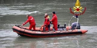 Donna tenta il suicidio nel Tevere: la salva un carabiniere che si allena in canoa