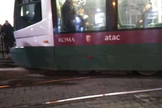 Tram 5 di Atac deraglia a Termini