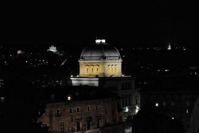 La sinagoga illuminata da Acea