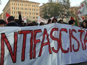 Immagine di repertorio: manifestazione antifascista a Roma