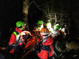 Si perdono e trascorrono una notte al freddo in campagna: tre escursionisti salvati a Roccagiovine
