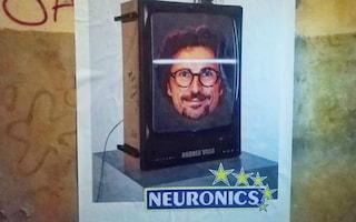 Il ministro Toninelli diventa Neuronics: il misterioso manifesto apparso a Roma