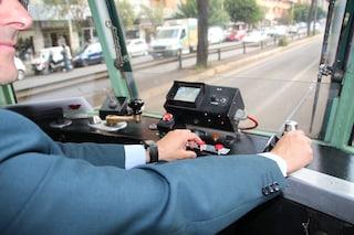 Latina, anziano e disabile fatti scendere dall'autobus: avevano l'abbonamento ma non la tessera