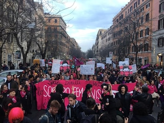 """La manifestazione delle donne a Roma è enorme: """"50.000 contro il Dl Pillon"""""""