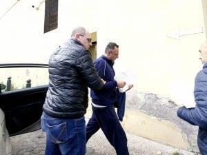 Marcello De Vito all'ingresso a Regina Coeli