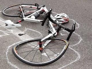Ariccia, ragazzino di 13 anni investito in bici su via Nettunense: è gravissimo