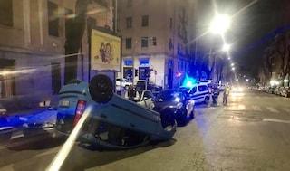 Roma, incidente in viale dei Quattro Venti: auto si ribalta, quattro feriti