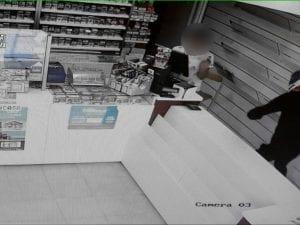 Pomezia, arrestato un ragazzo di 20 anni accusato di aver rapinato 5 tra tabaccherie e supermercati della zona
