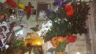 """L'epitaffio sulla tomba di Rino Gaetano: """"Ma il cielo è sempre più blu"""""""