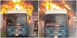 """Autobus Cotral in fiamme sul Raccordo, l'azienda: """"Vecchio, ma aveva passato la revisione"""""""
