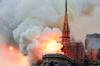Roma, i consiglieri del Comune devolvono il gettone di oggi alla ricostruzione di Notre Dame
