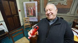 """Pistole ad acqua in chiesa contro la legge sulla legittima difesa: """"Bersaglio sono i poveri"""""""