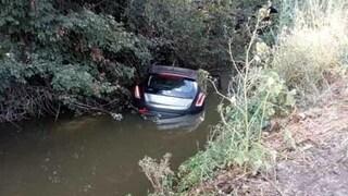 Terracina, sperona l'ex compagna con l'auto e la fa cadere nel canale: condannato