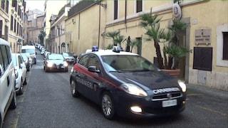 L'autosalone deve ancora aprire ma i Casamonica chiedono già il pizzo: due arresti