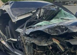 Incidente in via Appia Sud, scontro tra due auto: donna estratta dalle lamiere, gravi i conducenti